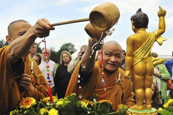 Kanbutsue /Hana Matsuri, Festival del cumpleaños de Buda