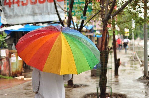 Ofrecer un paraguas