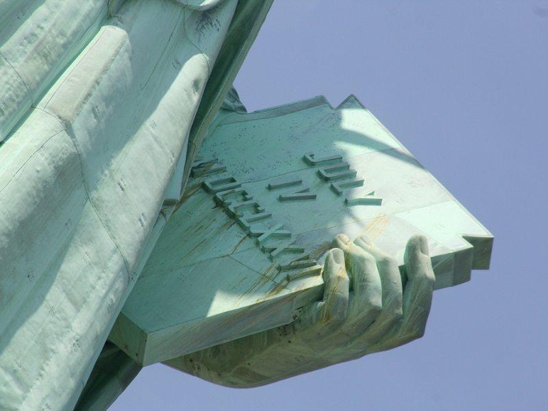 Una estatua con mucho simbolismo