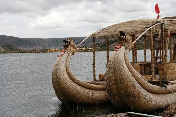 Isla de los Uros (Perú)